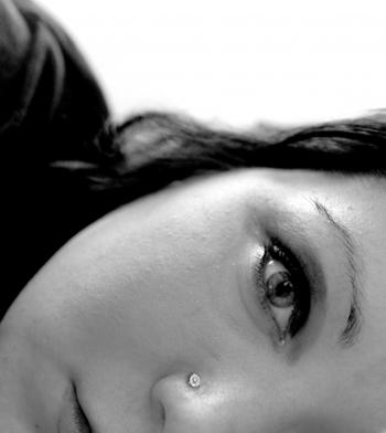 eyebrow piercing. i like eyebrow piercings